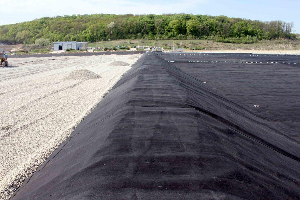 landfill construction-membrane protection-hungary